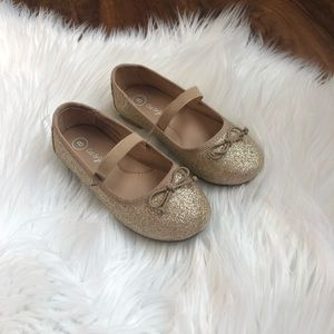 Gold Glitter Dress shoes, toddler size 8